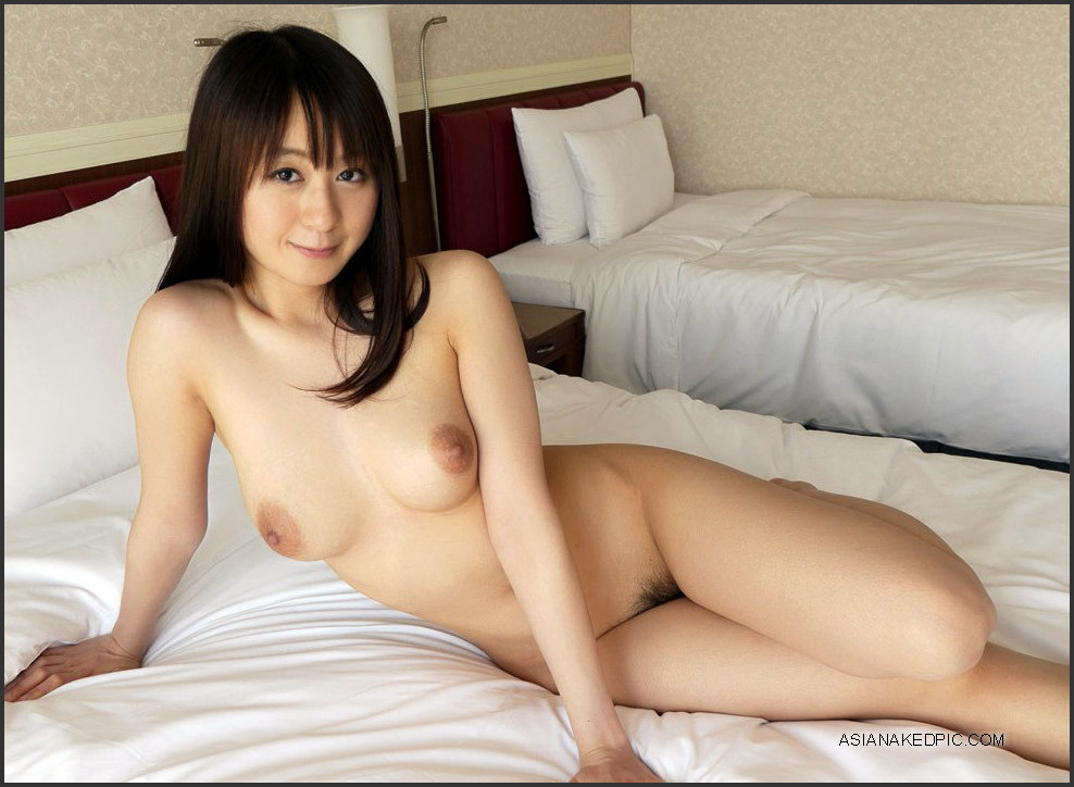 Erotic Pictures of Japanese Beauties at