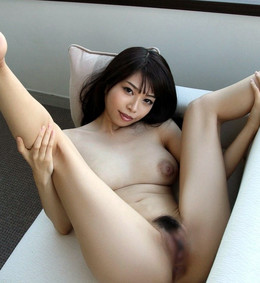 Very attractive asian girls baring..
